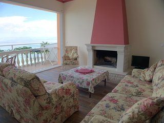 Anna seafront apartment 2nd floor with living room - Boukari vacation rentals