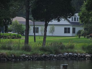 Phenomenal Vacation Rental by Water in St Michaels - Walk to Town! 4 ADULTS MAX - Saint Michaels vacation rentals