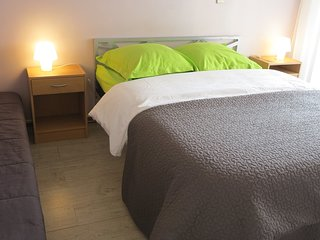 Excellent for business and vacation - Cannes vacation rentals
