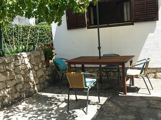 Charming holiday apartment near sea - Petrcane vacation rentals