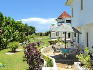 5 bedroom Villa with Internet Access in Silver Sands - Silver Sands vacation rentals