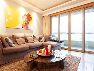 Luxury West Nanjing Road Apt - YoGa Real Estate Shanghai - Shanghai vacation rentals