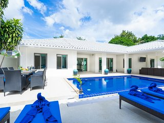 HEART OF CHAWENG - PERFECT FOR GROUPS - Chaweng vacation rentals