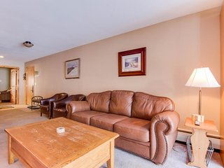 Ski-in / ski-out upscale condo with enclosed balcony - close to lifts - Copper Mountain vacation rentals