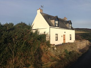 Piper's Cave, a 2 Bedroom Holiday Cottage with Beautiful views. - Helmsdale vacation rentals