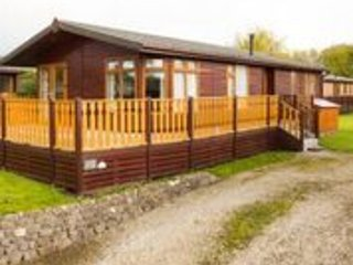 Nice Lodge with Deck and Television - Capernwray vacation rentals