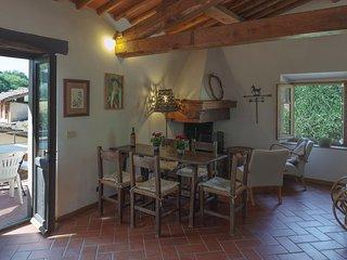 Molino le Gualchiere - Apt. La Casetta 2 camere - Loro Ciuffenna vacation rentals