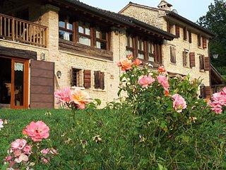 The Music Country House, un antico casale sulle colline di Asolo - Cavaso del Tomba vacation rentals