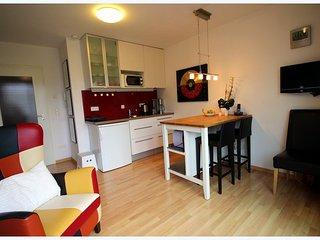 Vacation Apartment in Erlangen - 377 sqft, stylishly furnished, historic - Erlangen vacation rentals