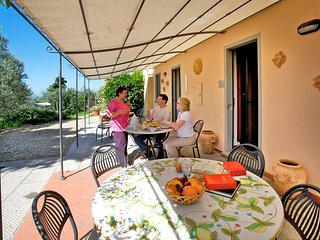 Podere Zollaio - Chiocciola apartment -  great views, free wifi and pool - Vinci vacation rentals