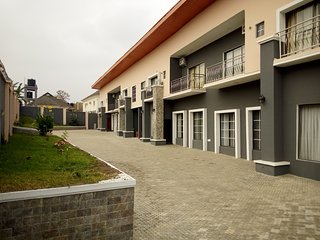Luxury 4 bedrooms duplex for shortlet in Alalubosa GRA Ibadan - Ibadan vacation rentals
