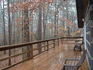Cozy Cabin in the Woods - Hot Springs Village vacation rentals