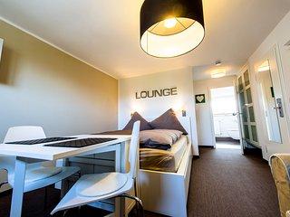 Nice Condo with Internet Access and Television - Hamburg vacation rentals