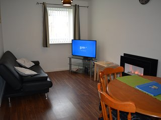 2-bedroom flat in Glasgow Green! - Glasgow vacation rentals