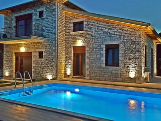 Villas Panorama, Villa Georgia traditional House 4 bd 4 bth private pool - Lefkada Town vacation rentals