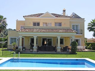 Family Villa PRIVATE Heated Pool-Garden- -Puerto Banus SLEEPS 11 high speed wifi - Cancelada vacation rentals