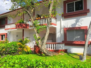 Boca Chica ☀️ 2 Bed, 2 Bath Cottage Close to Beach Fun and Supermarket! - Boca Chica vacation rentals