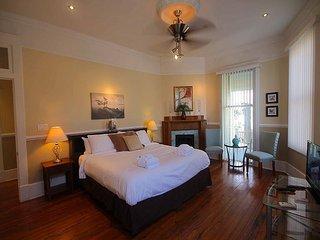 Luxury on Waldburg - Savannah vacation rentals