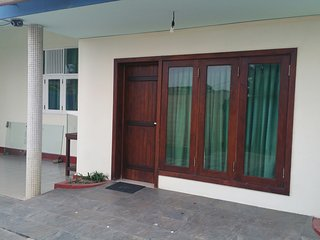 Luxury .Guest House for foreigners - Wattala vacation rentals
