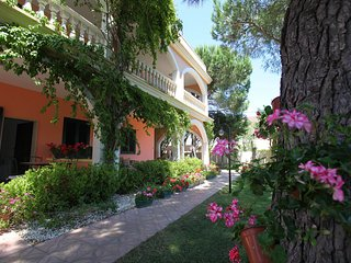 Flat 100 meters from the beach. - Lendinuso vacation rentals