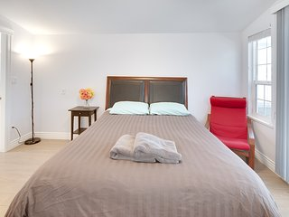 Beautiful Private bedroom with washroom in great location - Vancouver vacation rentals