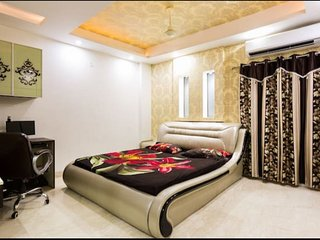 12 Bedroom Luxury Apartment in Delhi for Big Group, Wedding Guests, Corporates - New Delhi vacation rentals