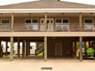 Calcasieu Lake Guest House- Sleeps 16    Lake Charles, LA - Lake Charles vacation rentals