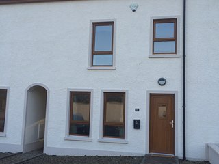 3+ bed Townhouse excellent location - Portstewart vacation rentals