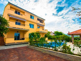 1 bedroom Apartment with Balcony in Palit - Palit vacation rentals
