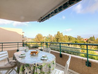 Apartment in Cavalaire-sur-Mer with Terrace, Lift, Parking, Washing machine - Cavalaire-Sur-Mer vacation rentals