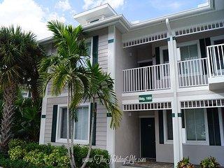 GREENLINKS 1011 - 3 Bedroom Lake View Golf Villa - Naples vacation rentals