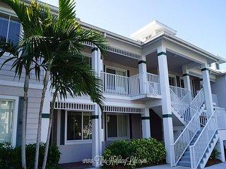 Greenlinks 724 - Upgraded 3 Bedroom Golf Villa with Fairway Views - Naples vacation rentals