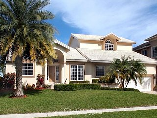 MARIANA COURT - Luxurious 5 Bedroom on Wide Water w/ Lots of Amenities! - Marco Island vacation rentals
