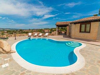 Villa con servizio piscina privata - Tanaunella vacation rentals