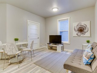 Modern, renovated condo steps from shops, restaurants & parks - dogs OK! - Seattle vacation rentals