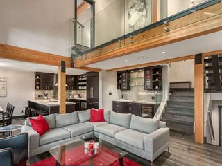 Northern Lights Unit 3 - Whistler vacation rentals