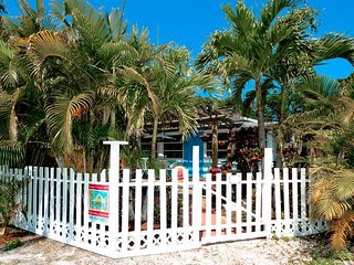 Enchanted Cottage: 2BR Pet-Friendly Cottage - Anna Maria vacation rentals