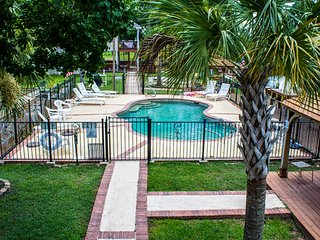 The View. Tons of Amenities! Pool, Kayak, Fish, BBQ and Much More! - Pass Christian vacation rentals