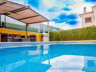 Villa with 2 rooms in Alhaurin de la Torre, with wonderful mountain view - Alhaurin de la Torre vacation rentals