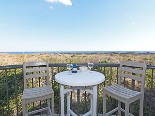 DR 2108 -  Beautiful oceanfront condo with pool, tennis and easy beach access - Wrightsville Beach vacation rentals