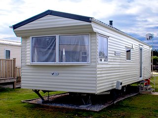 Comfortable Caravan/mobile home with Housekeeping Included and Television - Par vacation rentals
