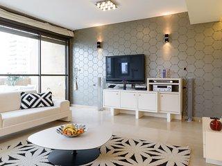 Sea View, 5th floor, 2 min walk beach - Tel Aviv vacation rentals