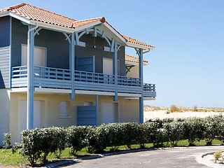 3 bedroom Villa in Biscarosse, Les Landes, France : ref 2242614 - Biscarrosse vacation rentals