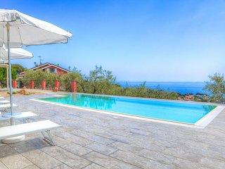 Nice 4 bedroom Vacation Rental in Diano Marina - Diano Marina vacation rentals