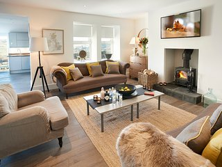 Wonderful House with Television and Central Heating - Thornhill vacation rentals