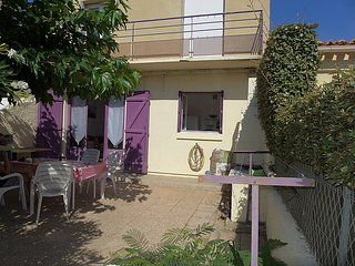 5 bedroom Villa in Narbonne Plage, Herault Aude, France : ref 2285090 - Narbonne-Plage vacation rentals