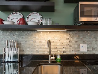 Newly Update Beacon Studio/Next to State House (2017) - Boston vacation rentals