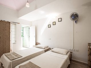 Comfortable Villa with Housekeeping Included and Television - Colva vacation rentals