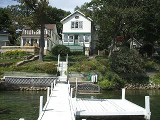 Delavan Lake Victorian Home-Perfect for Fun Filled Family/Friends Gatherings - Delavan vacation rentals