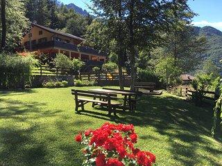 Village alle Terrazze 1 - App. 3 primo piano vista lago - Pieve di Ledro vacation rentals